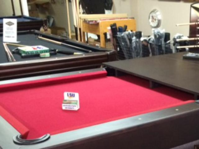 Billiards - Brunswick sherwood pool table
